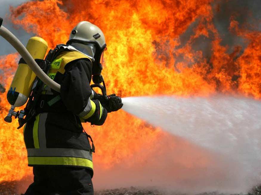 В центре Красноярска с утра тушат пожар в неэксплуатируемом здании. Красноярский рабочий